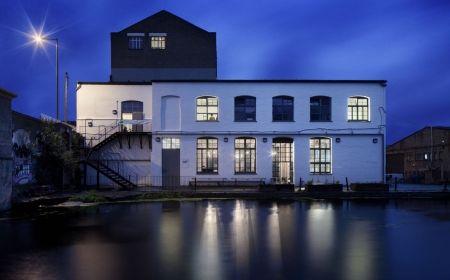 the-white-building-david-kohn-architects-gessato-gblog-6-450x2801
